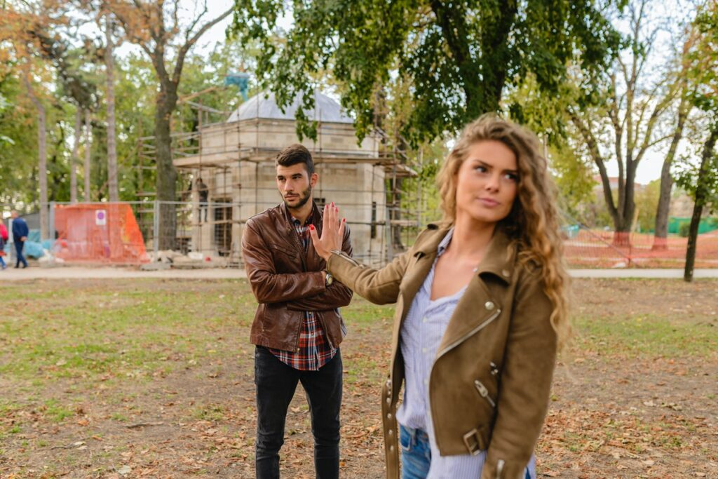 girl fed up with unromantic nature of the guy